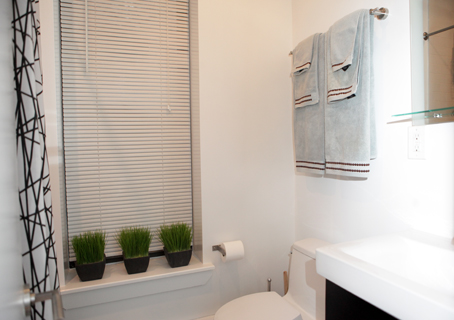 Hopper - 10 - Bathroom 2