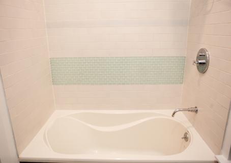 Hopper - 9 - Bathroom Tub
